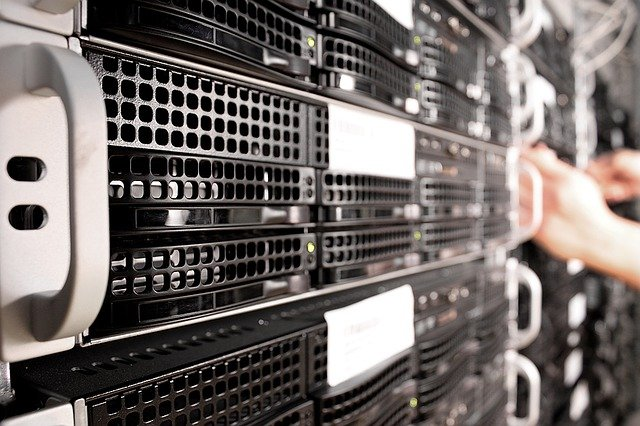 How to choose a web hosting with ease in May, 2021